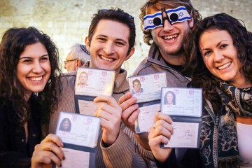 Young Jewish adults who have made aliyah to Israel. Photo: Jewish Agency for Israel.