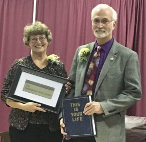 Candace and Dr. Kim Kwiatek honored at Congregation Etz Chaim in Cincinnati. Photo: Marshall Weiss.