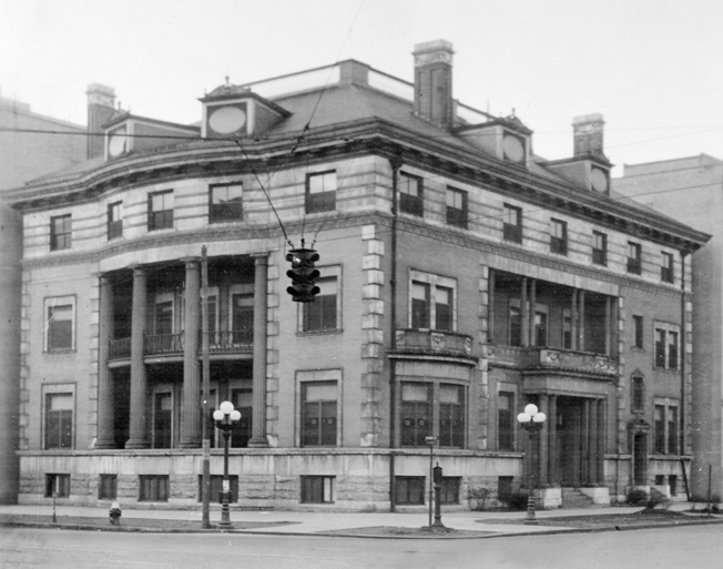 The Dayton City Club, at the southwest corner of First and Main Streets. Gus Lindeman served as the club's celebrated steward from 1895 until about 1909, when he opened his own restaurant and catering business. Photo: Dayton Metro Library.